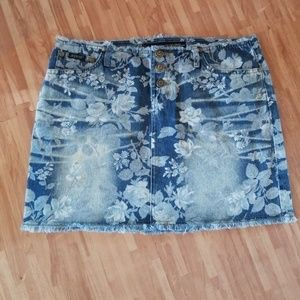 Squeeze Stephen Hardy Floral Rose Jean Denim Skirt